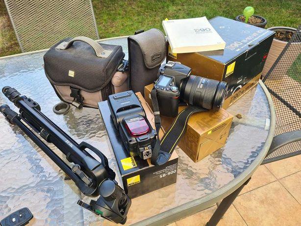 Nikon- D90 + lampa + obiektyw = komplet + gratisy
