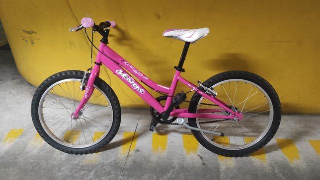 Bicicleta de menina como nova!