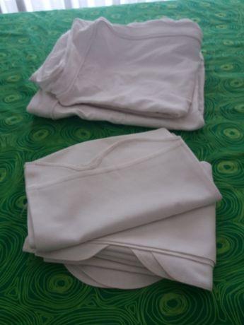 Almofadas de sofá e cortinados
