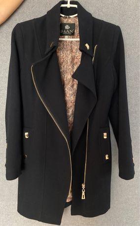 Осеннее женское чёрное пальто