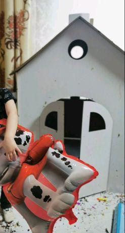 Дитячий будиночок із картону для ігор та малювання