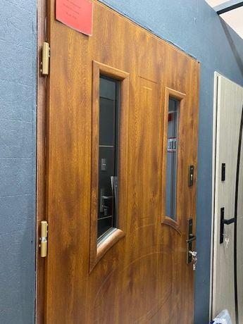 Drzwi zewnętrzne WIKĘD 33A POWYSTAWOWE