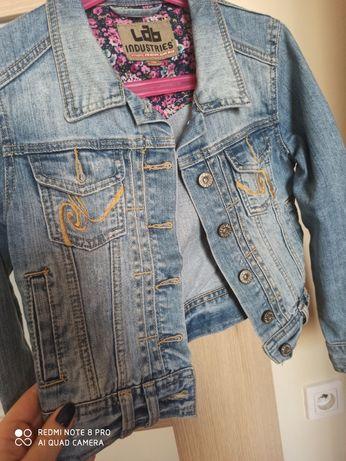 Kurka jeansowa, roz. 134