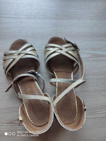 Туфли бальные блок-каблук р.28