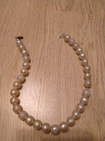 Oddam naszyjnik, perełki, perły