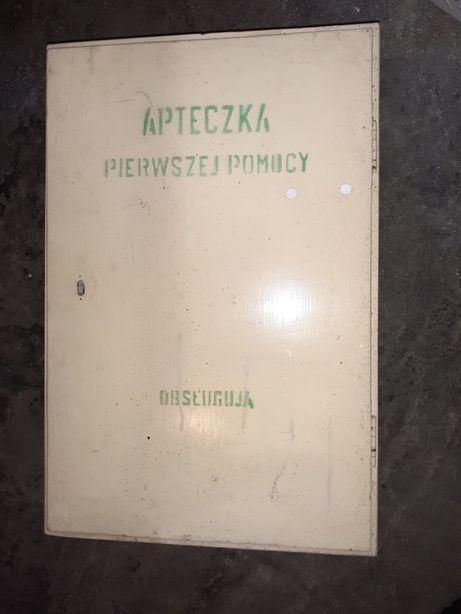 Apteczka pierwszej pomocy duza antyk  drewniana prl ludwik retro