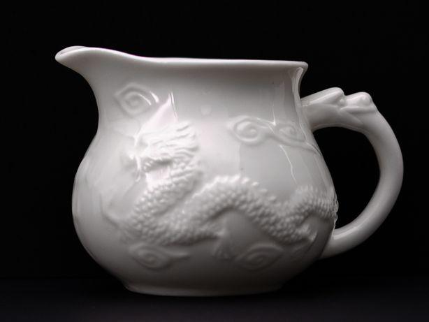 Чахай (чаша справедливости, гундаобэй) из фарфора с тиснением, 160 мл