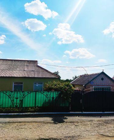 Продам дом в пгт Александровка.