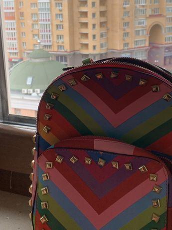 Модный разноцветный рюкзак
