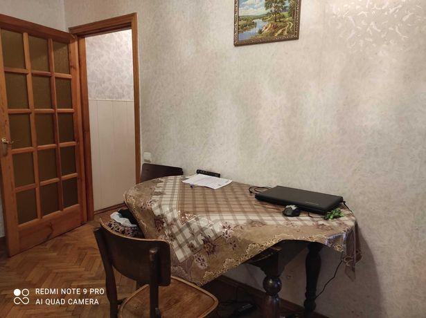 Без комиссии, 3х комнатная квартира, Соломенский р-н, Ереванская 27