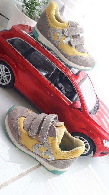 Mayoral фірмені закордонні якісні кросівки