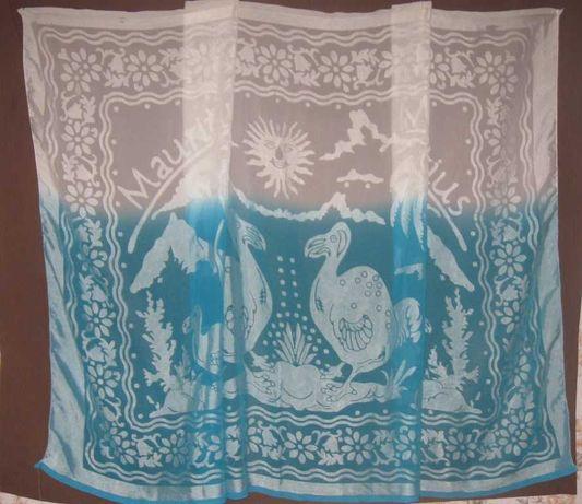 Тюль штора бело-голубая. Шифоновая. Ширина - 170 см Высота - 115 см
