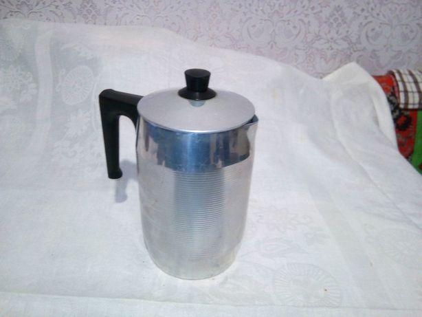 Кофеварка металлическая .