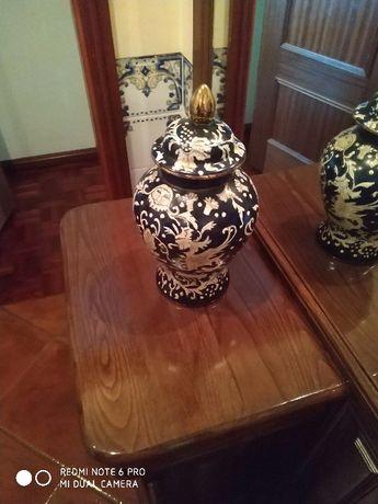 Porcelana-Pote Pintado à Mão
