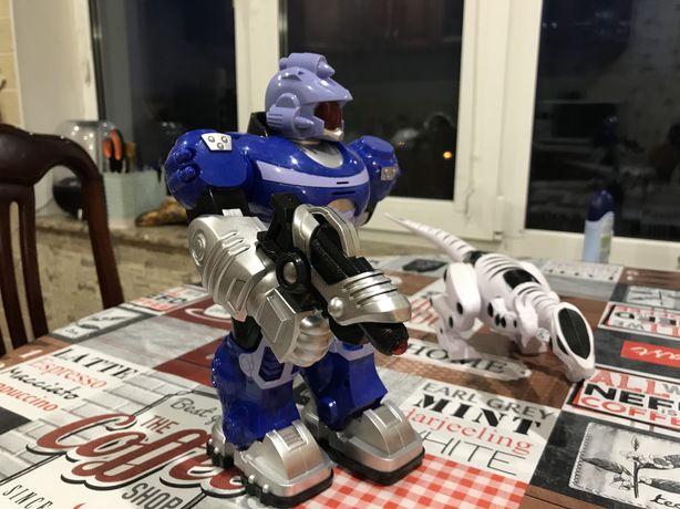Продам игрушки легкое б/у робот, машинки