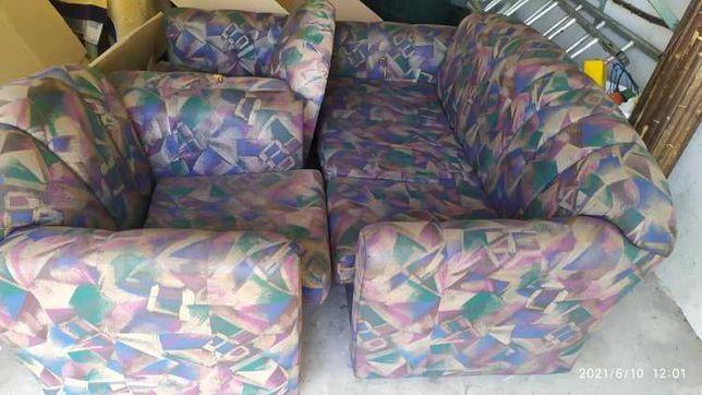 Sofás (conjunto sofá cama + 2 maples)