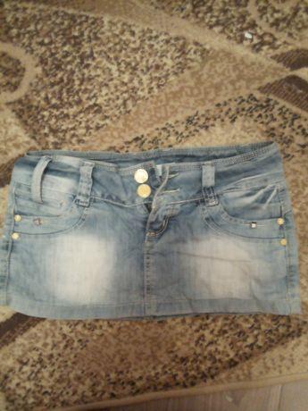 Отдам джинсовые юбки