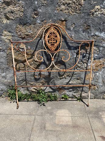 Ultima oportunidade - Cabeceira de cama antiga em ferro