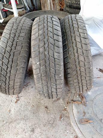 Шины Roadstone 186 65 R15 зима 3 шт
