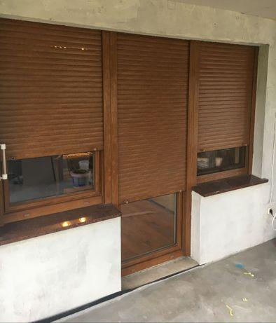 Zestaw okien balkonowych z roletami