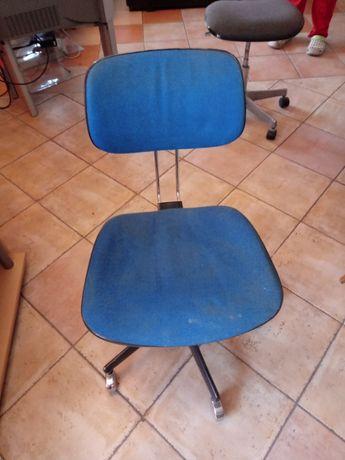 Fotel biurowy obrotowy niebieski krzesło