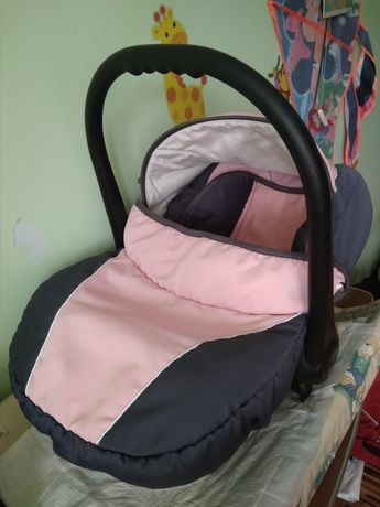Fotelik nosidełko z adapterami