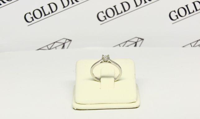 Platynowy pierścionek zaręczynowy z brylantem. Platyna 0,950.
