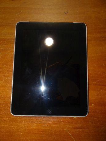 Продам iPad (1-st gen) 32Gb, не включается, требует замены батареи.