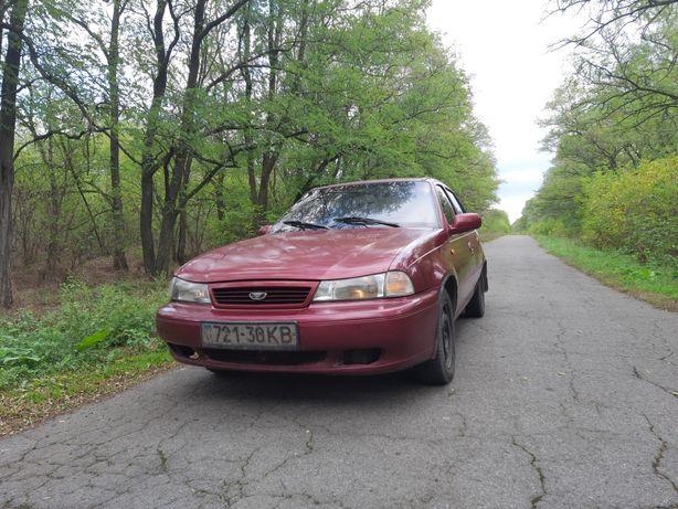 Автомобиль Daewoo Nexia