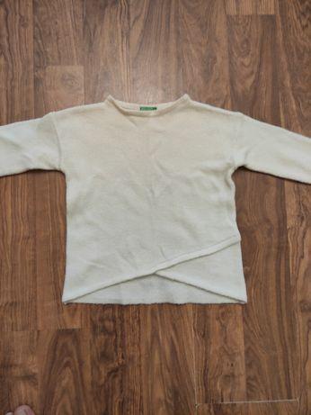 Для девочки свитер