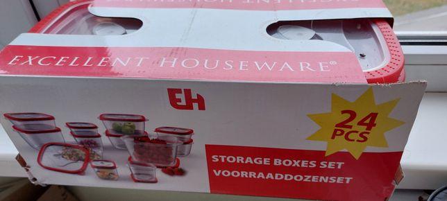 Продам набор пластиковых контейнеров