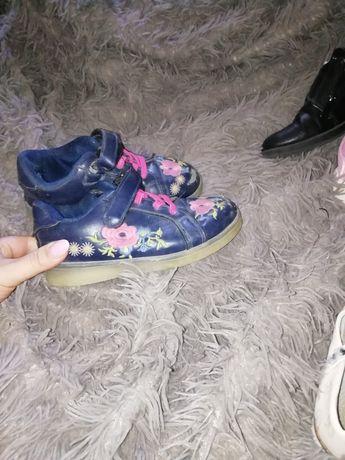 Продам взуття для дівчинки для дому