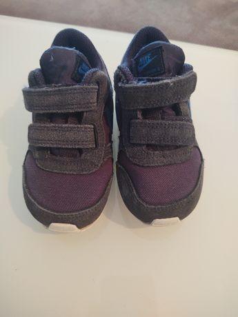 Buty dziecięce Nike rozmiar 23,5