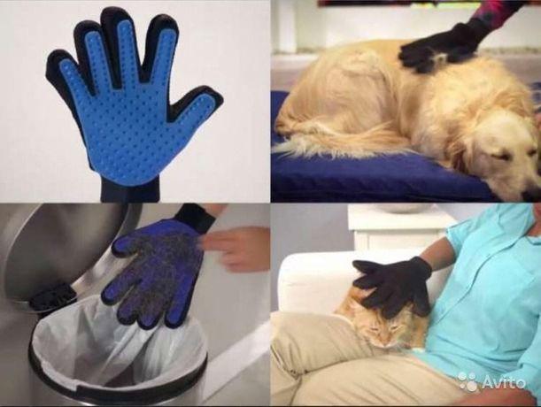 Рукавичка для вичісування шерсті домашніх тварин кішок і собак масажер