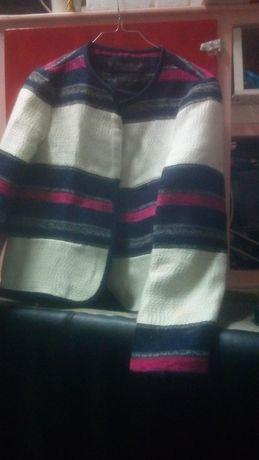 Diversos casacos de Inverno  Tamanho M e L  Estado Bom  Jaqueta Zara,