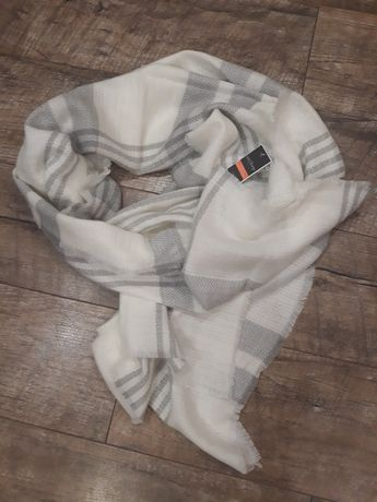 Большой тёплый шарф,палантин