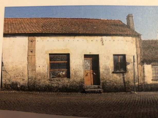 SABUGAL Vende-se Armazém com Casa de Habitação