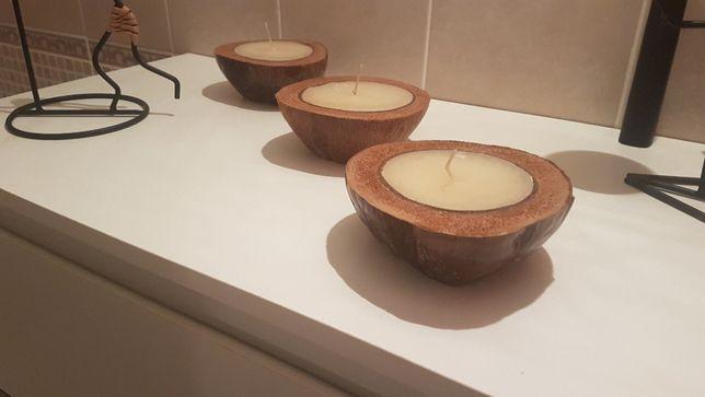 Velas em coco natural