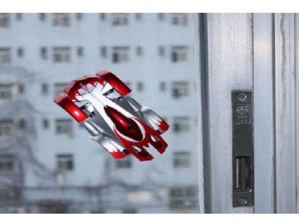 ЧУДЕСА - это Антигравитационная машинка, которая ездит по потолку
