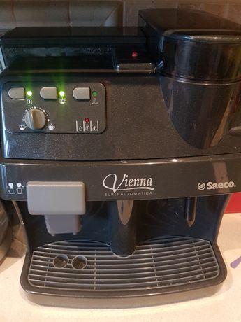 Ekspres do kawy z młynkiem 450zl