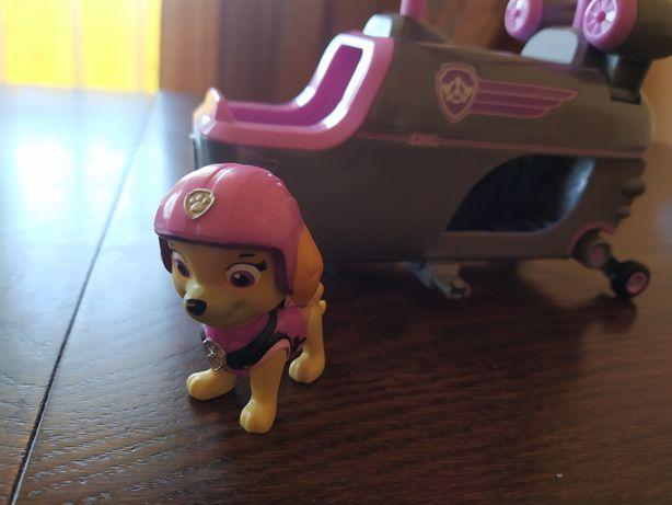Psi Patrol Skye + Helikopter z hakiem + figurka Marshall Gratis