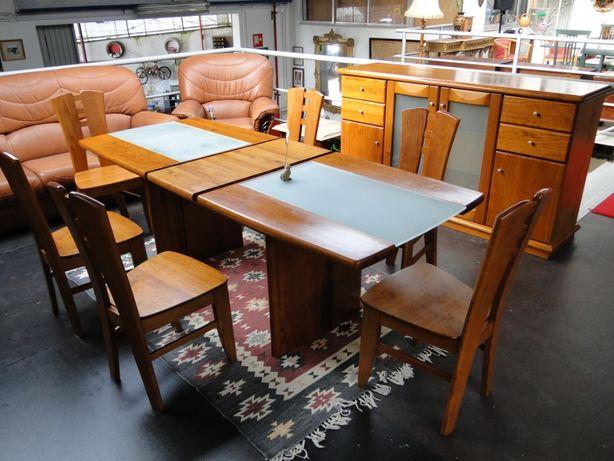 Mesa extensível em madeira maciça com acabamento em vidro fosco - Só a