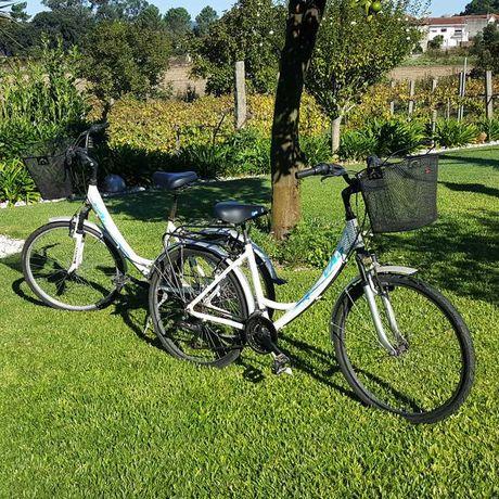 2 Bicicletas de senhora / cidade com cesto