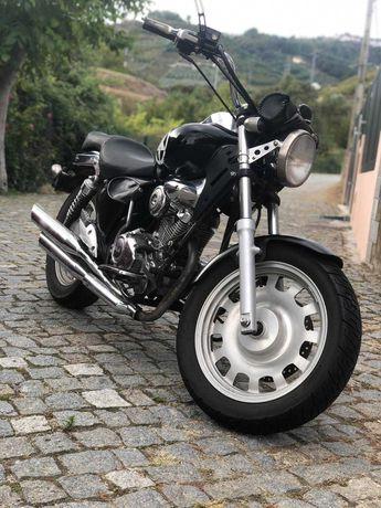 Fantástica Keeway Superlight 125 cc