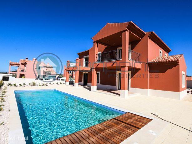 Moradia V3 com Piscina, Jardim e Barbecue em zona residen...