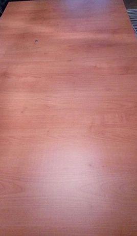 Rozkładany stół z kolekcji Syriusz. Black red white.+ 4 krzesła.