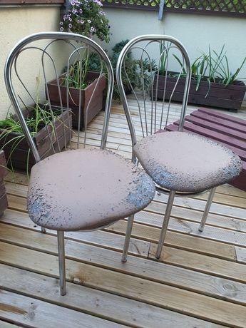 Zamienię dwa krzesła kuchenne na przysmak dla kota