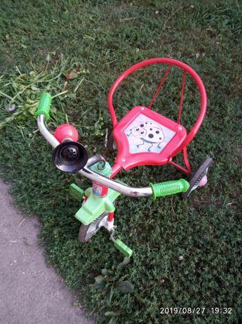 Трьох колісний велосипед