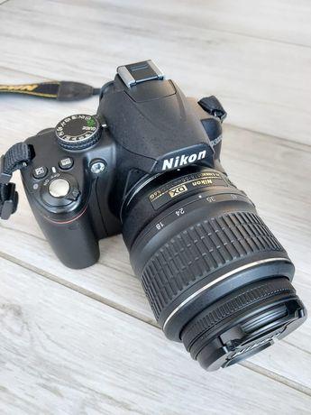 Lustrzanka Nikon D3000 + obiektyw 18-55 + torba