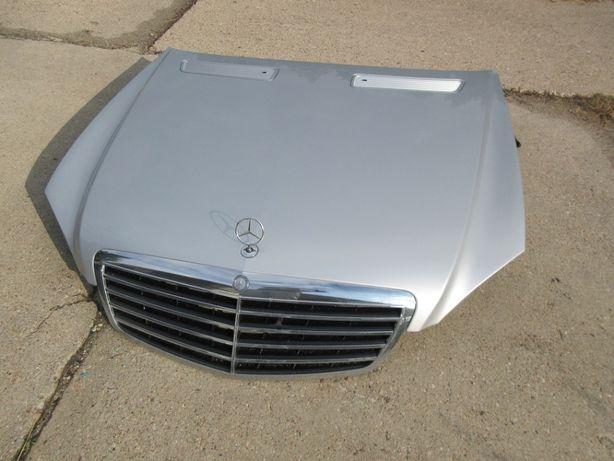 mercedes W221 maska kompletna z grillem C775